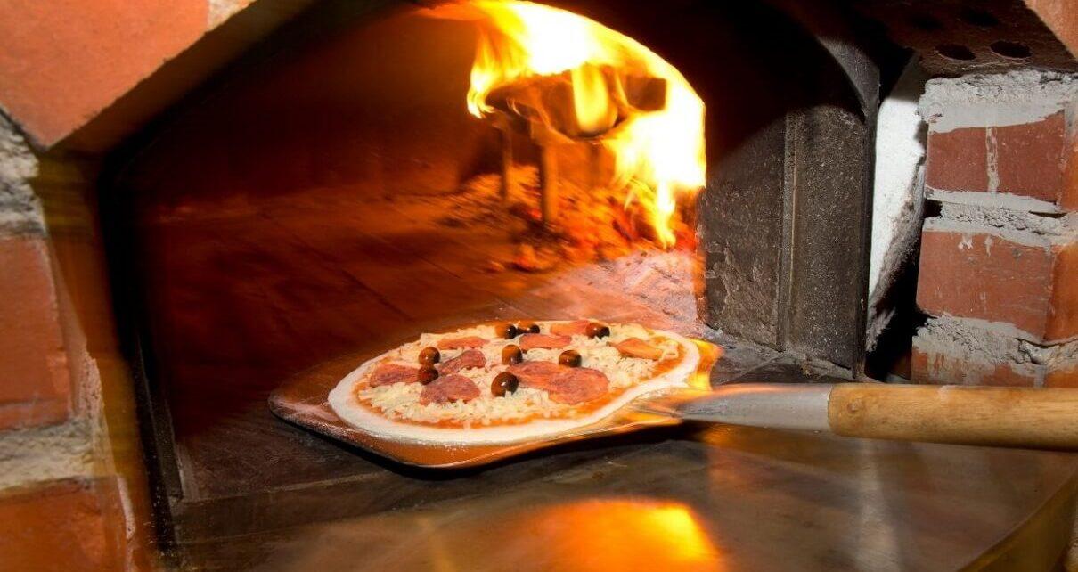 Jeśli pizza, to tylko z tego opalanego drewnem!